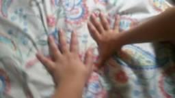 Vendo. duas. mãos