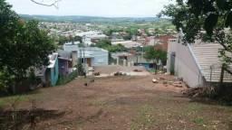 Barbada - Amplo terreno próximo ao centro com prédio em parobé