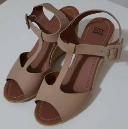 Sandália City Shoes (usada somente 1 vez!) - Couro Bege - Tam. 34