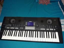 Teclado Yamaha sr550