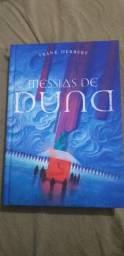 """Livro """"Messias de Duna""""."""