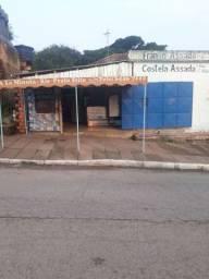Alugo loja 50 m toda de azulejo pra salao de beleza ou  pra campanha política *