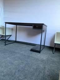 Mesa para escritório estilo industrial