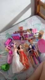 Combo de bonecas