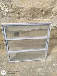 Basculante de alumínio com vidro