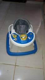 Bebe conforto e andador e canguru pra carregar o bebê . Leia o anúncio