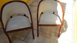 2 cadeiras para pessoas de fino gosto