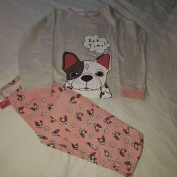Pijama infantil ótimo estado