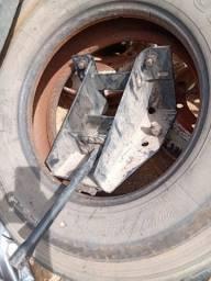 Tanque de óleo,suporte de estepe e trava de baú