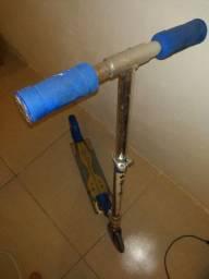 patinete (falta parafuso da roda da frente)