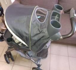 Carrinho de Bebê+ Bebê Conforte+ Base veicular