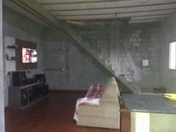 Casa para vender bairro Amazônia sube esquina  com a rota das vans