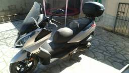 Moto Scooter Kymco Downtown 300i com menos de 3 mil km, zerada!