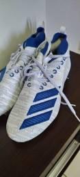 Chuteira Adidas 41