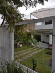 AL 6805A- Linda Casa de 5 qts dentro de condomínio de luxo em Itaipu!!!