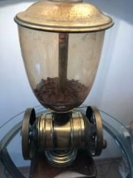 ?Abajur ? réplica de um moedor de café