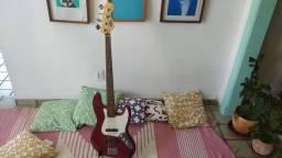 Baixo Squier J Bass 4 Cordas