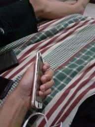 iphone 6s 32gb com a tela totalmente quebrada