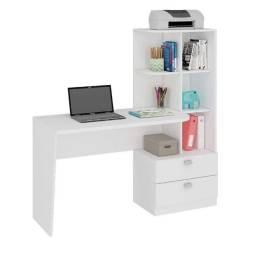 Escrivaninha com estante