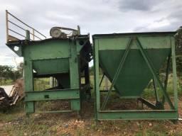 conjunto de moinho e silos