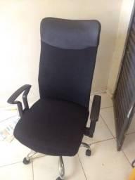 Cadeira executiva com escritório