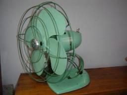 Ventilador antigo funcionando 110v para decoração