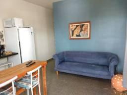 Apartamento Quarto-Sala-Cozinha Mobiliado e Super bem localizado