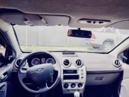 Ford fiesta sedan 1.6 completo class 12/13