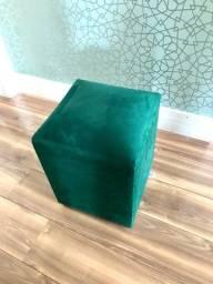 Pufão verde 35x35 cm e 45 cm altura