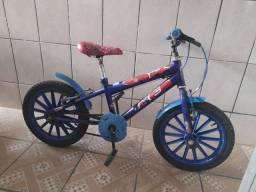 Vende-se bicicleta homem aranha