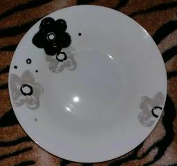 4 pratinhos novinhos de porcelana 20cm cada