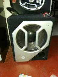 Sub amplificado de 12 450 watts e quatro flats 2 da jbl 2 da bravos