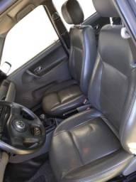 Pode levar no mecânico de Sua confiança, fazer o teste drive e negociarmos. - 2003