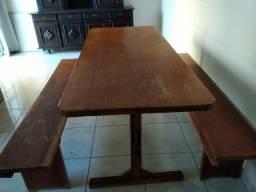 Mesa em madeira Angelin
