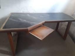 Vende-se mesa para escritório de marmore e madeira maciça