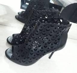 Vendo sapato da Arezzo usado!