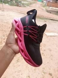 Sapatos tops