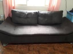 Vende-se um ( 1 ) sofá à vista,  semi novo