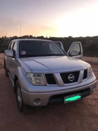 Vende-se carro Nissan Frontier