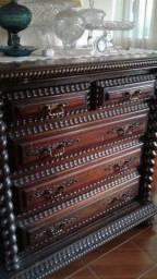 Raríssima Cômoda em madeira jacaranda maciça