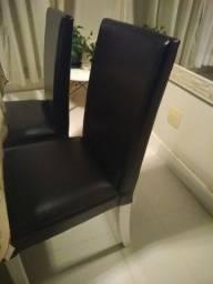 Cadeira corino preta