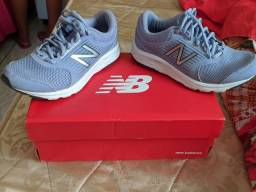 Tênis New balance Tam.35