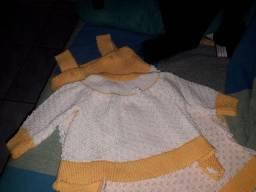 Conjuntinho lindo de tricô feito à mão, à cs mais linda ??
