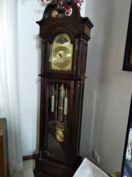 Relógio Pedestal estilo antigo