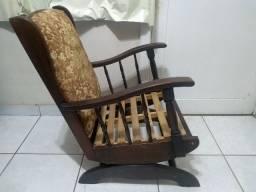 Cadeira De Balaço E Banqueta Antiga