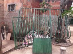 Grades Com Portão Pra Sair Logo R$200,00