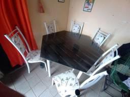 Mesa de mármore com 6 cadeiras!