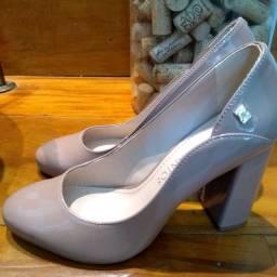 Sapato de boneca número 35