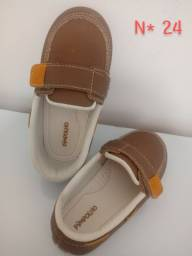 Sapato e Sandália de Menino