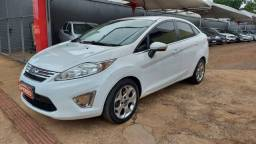 New Fiesta Sedan 1.6 SE 12/13 completo - Financio